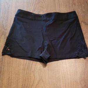 JUNIORS Lace Detail Shorts